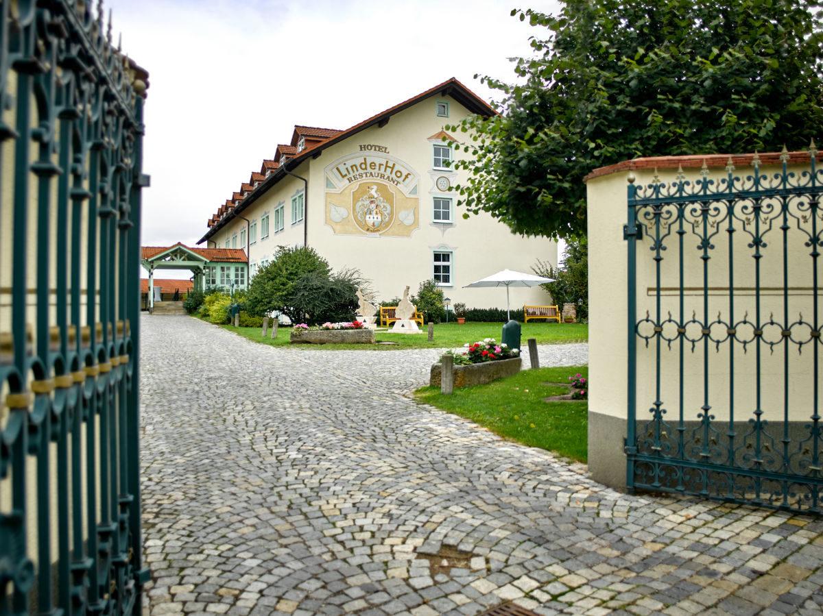 Linderhof Hotel Erfurt 4 Sterne Hotel In Ruhiger Lage Am Ortsrand