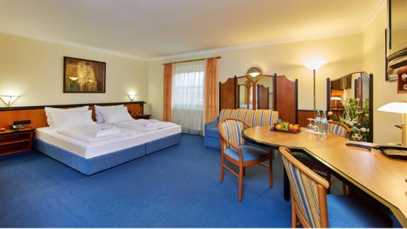 Ruhige gro e zimmer im linderhof hotel erfurt th ringen for Design hotel erfurt